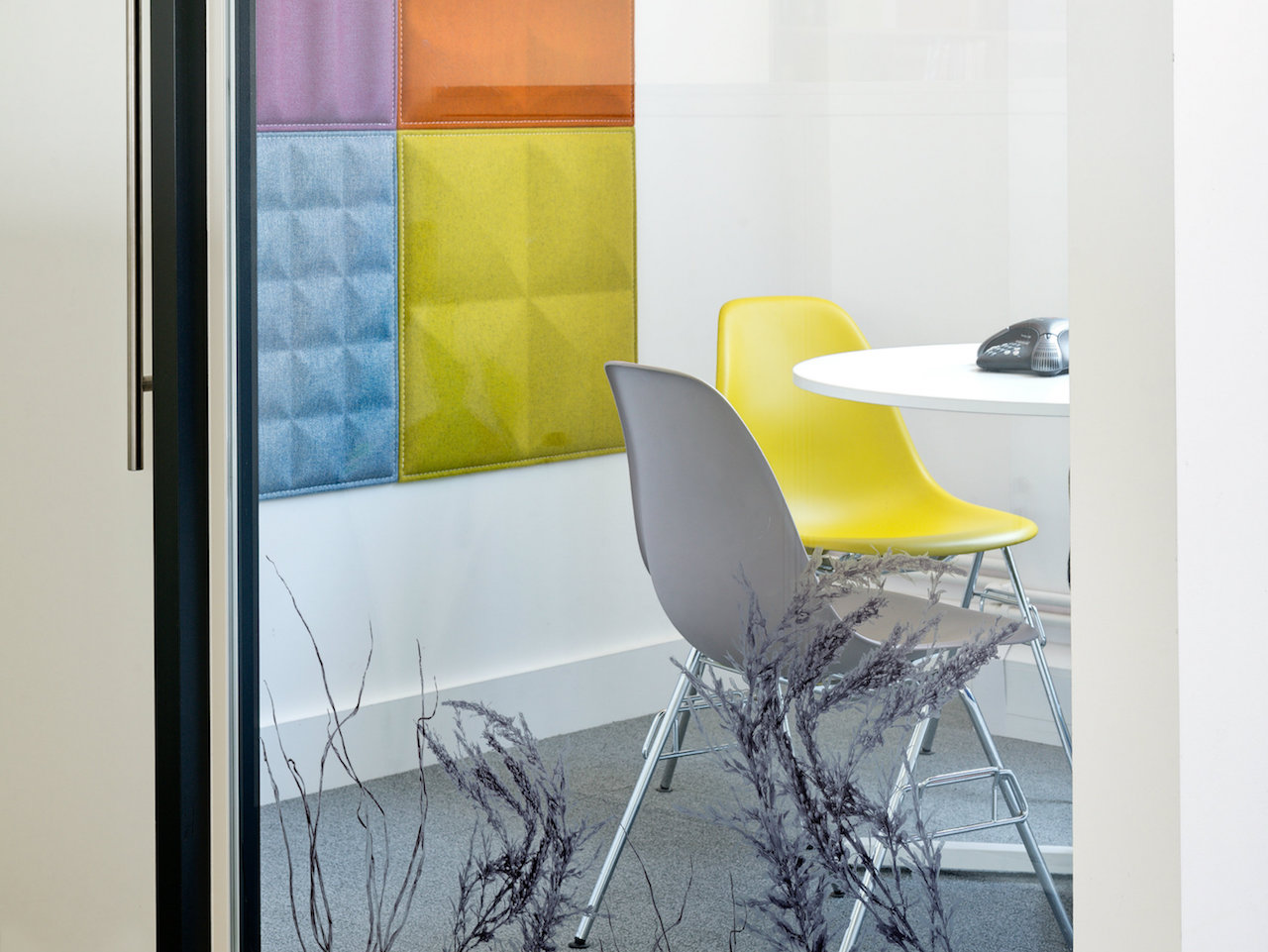 The Psychology of Colours in the Workplace
